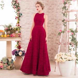 Chic / Beautiful Burgundy Evening Dresses  2017 A-Line / Princess Scoop Neck Sleeveless Beading Pearl Sash Floor-Length / Long Backless Formal Dresses