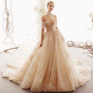 Charmant Champagner Brautkleider / Hochzeitskleider 2019 A Linie Herz-Ausschnitt Perlenstickerei Spitze Blumen Pailletten Ärmellos Rückenfreies Kathedrale Schleppe