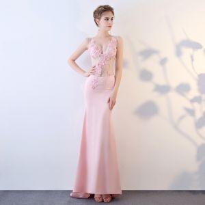 Sexy Blushing Pink See-through Evening Dresses  2018 Trumpet / Mermaid V-Neck Sleeveless Appliques Flower Rhinestone Beading Sweep Train Formal Dresses