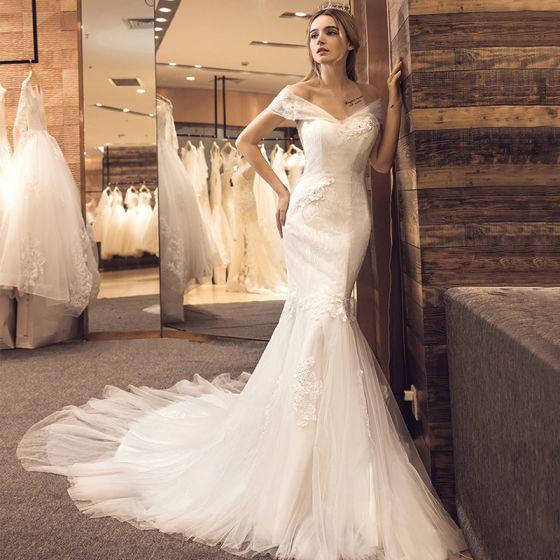 Piękne Białe Suknie Ślubne 2017 Syrena / Rozkloszowane Kochanie Kótkie Rękawy Bez Pleców Aplikacje Z Koronki Trenem Kaplica