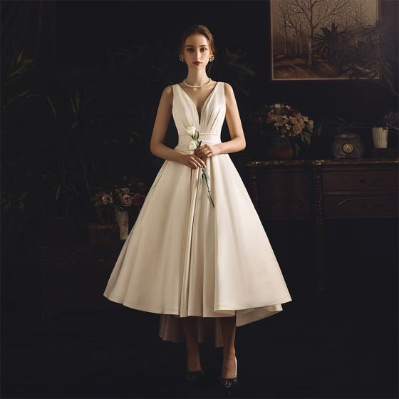 Modest / Simple Ivory Satin Outdoor / Garden Wedding Dresses 2019 A-Line / Princess Deep V-Neck Sleeveless Backless Asymmetrical Ruffle