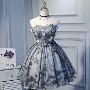 Piękne Szary Sukienki Na Studniówke 2018 Princessa Tiulowe Aplikacje Bez Pleców Frezowanie Bez Ramiączek Homecoming Sukienki Wizytowe