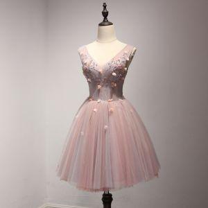 Chic / Belle Perle Rose Robe De Fete 2017 Volants en Cascade Courte Robe Boule épaules V-Cou Sans Manches Dos Nu Perle Appliques Fleur Perlage Robe De Ceremonie