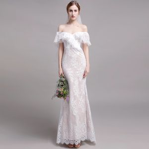 Chic / Beautiful Champagne Beach Wedding Dresses 2019 Trumpet / Mermaid Off-The-Shoulder Lace Flower Short Sleeve Backless Sweep Train