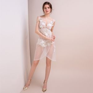 Sexy Ivory See-through Party Dresses 2018 V-Neck Sleeveless Appliques Lace Beading Tassel Short Backless Formal Dresses