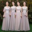 Piękne Różowy Perłowy Przezroczyste Sukienki Dla Druhen 2019 Princessa Aplikacje Z Koronki Długie Wzburzyć Bez Pleców Sukienki Na Wesele