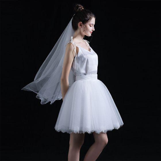 2 Stück Erschwinglich Weiß Sommer Kurze Brautkleider / Hochzeitskleider 2020 Ballkleid Spaghettiträger Ärmellos Rückenfreies Rüschen