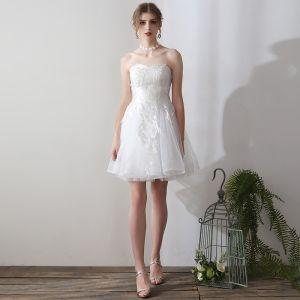 Erschwinglich Weiß Gekreuzte Träger Brautkleider 2018 A Linie Tülle Pailletten Bandeau Hochzeit