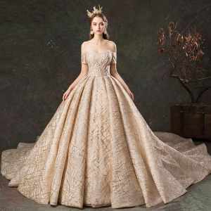 Glitzernden Champagner Brautkleider / Hochzeitskleider 2019 Ballkleid Off Shoulder Kurze Ärmel Rückenfreies Glanz Tülle Kathedrale Schleppe Rüschen
