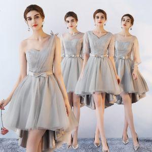 Hohes Niedriges Grau Brautjungfernkleider 2018 A Linie Schleife Stoffgürtel Asymmetrisch Rüschen Rückenfreies Kleider Für Hochzeit