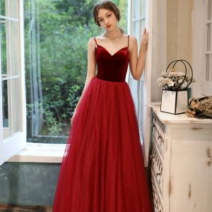 Chic / Beautiful Burgundy Evening Dresses  2020 A-Line / Princess Beading Spaghetti Straps Sleeveless Floor-Length / Long Ruffle Backless Formal Dresses
