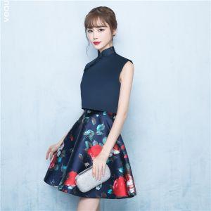 Chinesischer Stil 2 Stück Marineblau Partykleider 2017 A Linie Stehkragen Ärmellos Kurze Rüschen Drucken Festliche Kleider