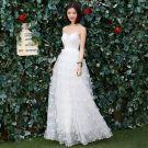 Elegant White Beach Wedding Dresses 2018 Empire Spaghetti Straps Sleeveless Backless Lace Appliques Flower Ruffle Floor-Length / Long