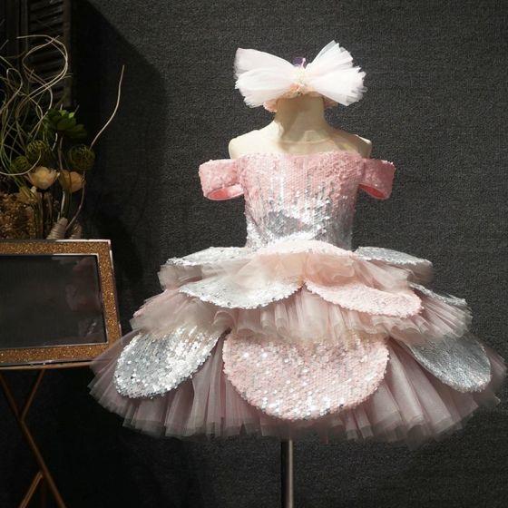 Charmant Rougissant Rose Anniversaire Robe Ceremonie Fille 2020 Princesse Transparentes Encolure Dégagée Manches Courtes Paillettes Courte Volants en Cascade Dos Nu Robe Pour Mariage