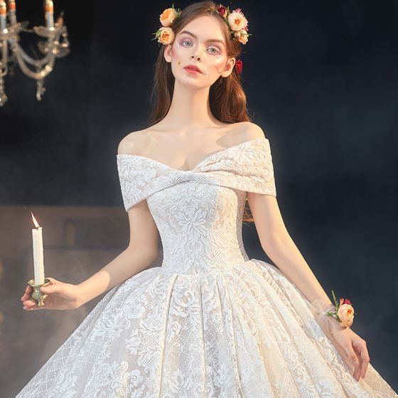 Luxury / Gorgeous Champagne Lace Bridal Wedding Dresses 2020 Ball Gown Off-The-Shoulder Short Sleeve Backless Appliques Lace Cathedral Train Ruffle