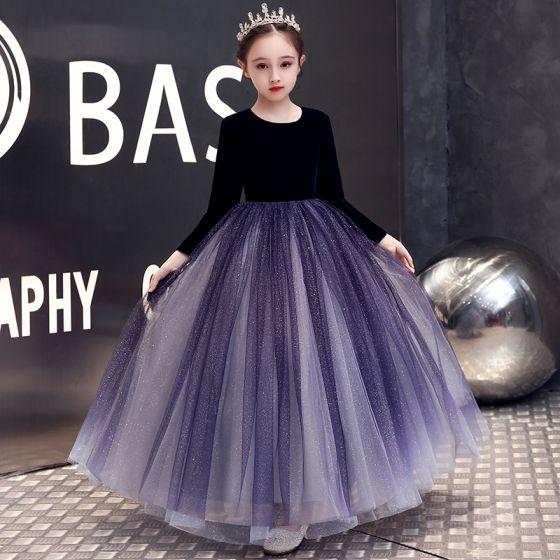 Elegante Violett Velour Winter Geburtstag Blumenmädchenkleider 2020 A Linie Rundhalsausschnitt Lange Ärmel Glanz Tülle Lange Rüschen