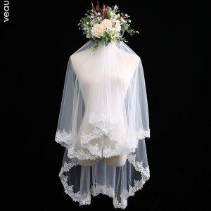 Klassisch Elegante Weiß Brautschleier Spitze Kurze Chiffon Spitze Hochzeit Brautaccessoires 2019