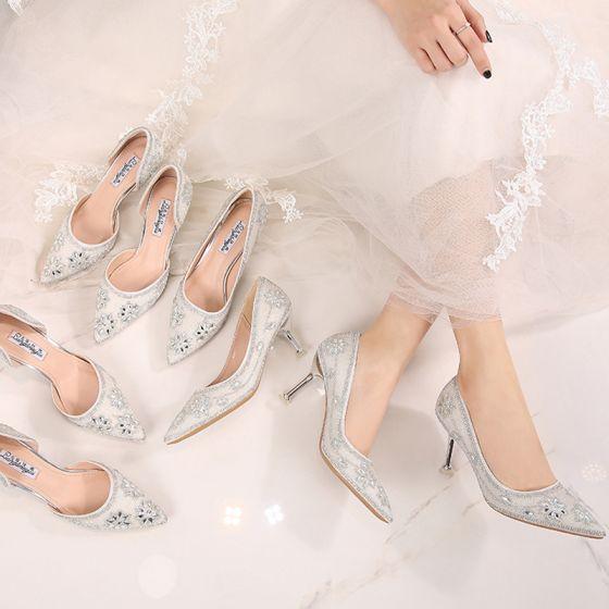 Stylowe / Modne Białe Buty Ślubne 2019 8 cm Frezowanie Poliester Kryształ Perła Rhinestone Wysokie Obcasy Szpiczaste Buty Damskie