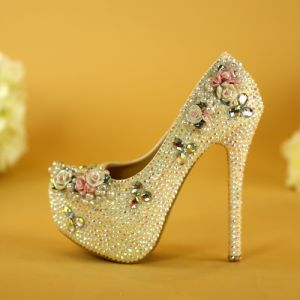 Charming White Crystal Wedding Shoes 2019 Pearl Rhinestone 14 cm Stiletto Heels Round Toe Wedding Pumps