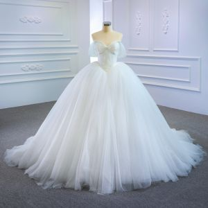 Modest / Simple White Bridal Wedding Dresses 2020 Ball Gown Off-The-Shoulder Short Sleeve Backless Court Train Ruffle