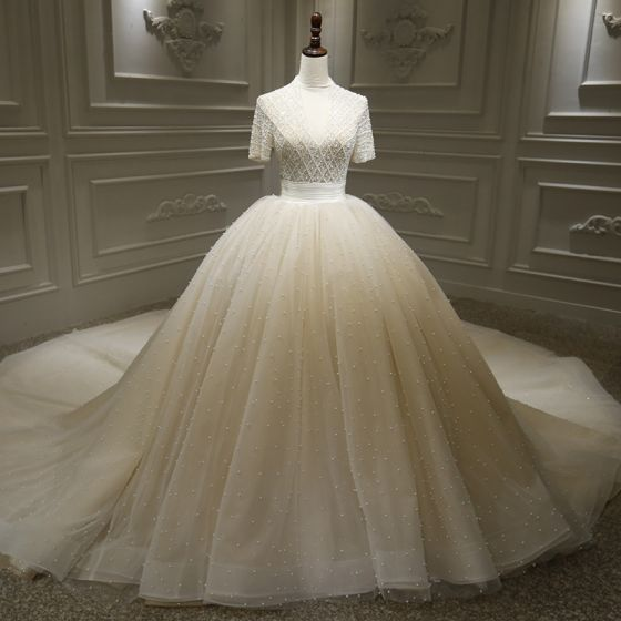 Stunning Champagne Bridal Wedding Dresses 2020 Ball Gown Deep V-Neck Short Sleeve Handmade  Beading Pearl Glitter Tulle Cathedral Train