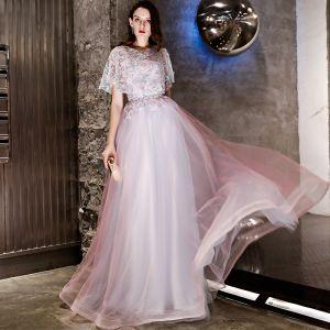 Chic / Belle Rougissant Rose Robe De Soirée 2019 Princesse Appliques En Dentelle Encolure Dégagée Manches Courtes Longue Robe De Ceremonie