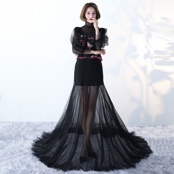 Amazing / Unique Black Evening Dresses  2017 A-Line / Princess High Neck Long Sleeve Embroidered Chapel Train Pierced Formal Dresses