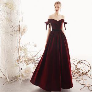 Hermoso Borgoña Suede Vestidos de noche 2019 A-Line / Princess Fuera Del Hombro Manga Corta Cinturón Largos Sin Espalda Vestidos Formales