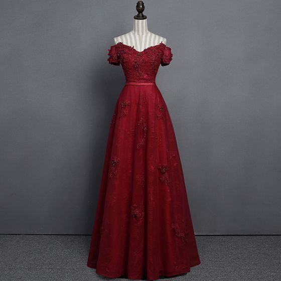 Modern / Fashion Burgundy Lace Prom Dresses 2018 Empire Off-The-Shoulder Short Sleeve Appliques Lace Pearl Crystal Sash Floor-Length / Long Ruffle Backless Formal Dresses