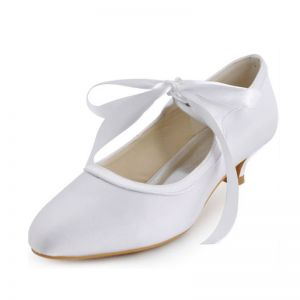 Vintage White Satin Wedding Shoes Kitten Heel Pumps With Ankle Strap
