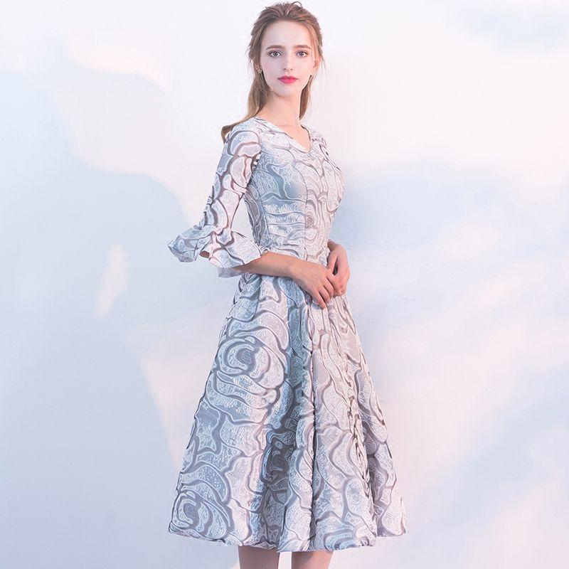 Schöne Grau Abiballkleider 2017 Heimkehr V-Ausschnitt Gestreift Drucken Polyester Sommer Partykleider