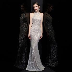 Erschwinglich Silber Pailletten Abendkleider 2020 Meerjungfrau Rundhalsausschnitt Ärmellos Lange Festliche Kleider