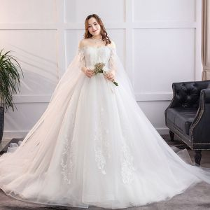 Fabulous White Ball Gown Plus Size Wedding Dresses 2019 Lace Tulle Appliques Backless Strapless Chapel Train Wedding