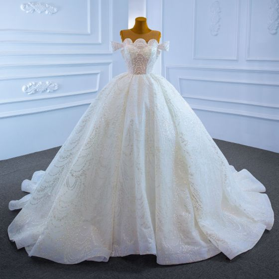Luxury / Gorgeous White Bridal Wedding Dresses 2021 Ball Gown See-through Scoop Neck Short Sleeve Handmade  Beading Pearl Glitter Tulle Chapel Train Ruffle