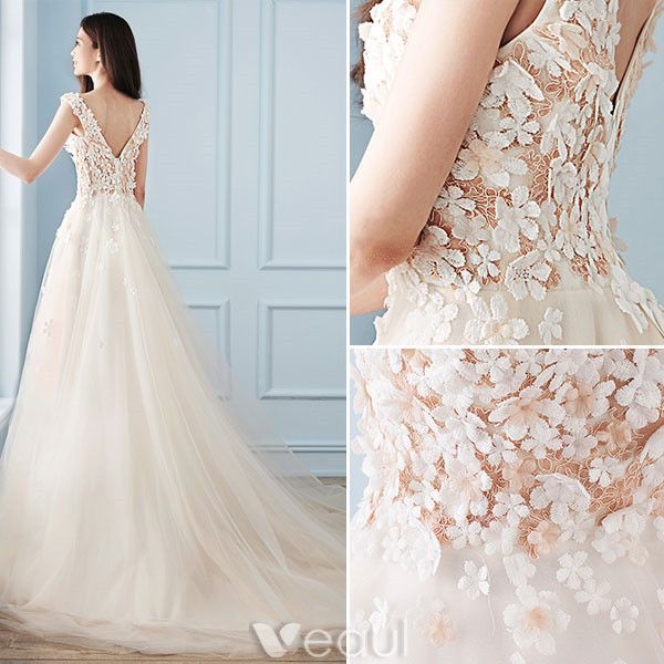 Beautiful A-line Wedding Dresses 2017 V-neck Applique Flowers Champagne Tulle Bridal Gowns