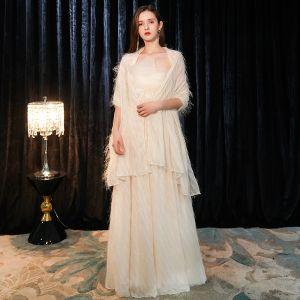 Elegante Champagner Abendkleider Mit Schal 2019 A Linie Bandeau Ärmellos Glanz Polyester Lange Rüschen Rückenfreies Festliche Kleider