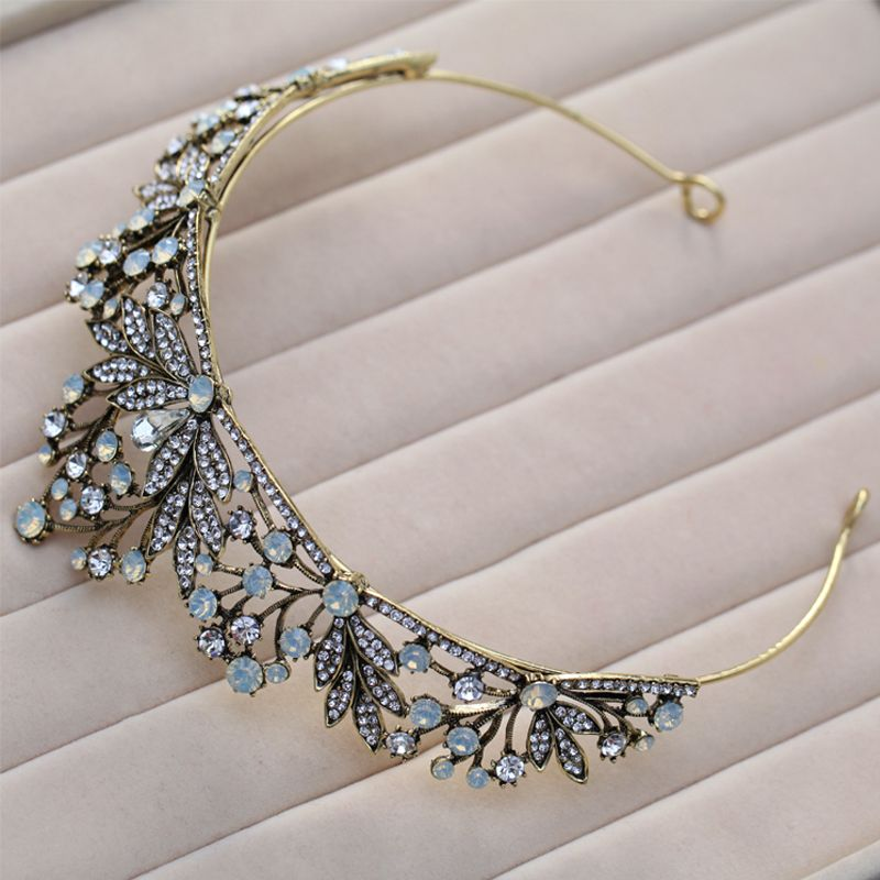 Elegant Classic Sky Blue Bridal Jewelry 2017 Metal Beading Crystal Rhinestone Headpieces Prom Wedding Accessories