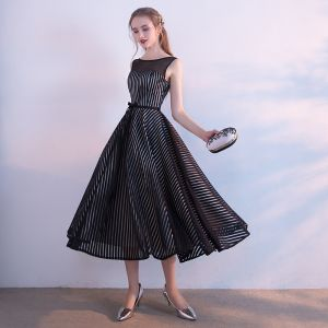 Modest / Simple Black White Striped Homecoming Graduation Dresses 2017 A-Line / Princess Scoop Neck Sleeveless Sash Tea-length Backless Formal Dresses