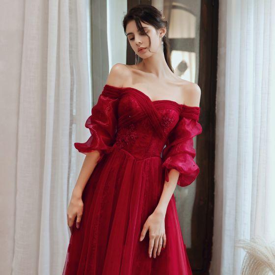 Vintage Burgund Taniec Sukienki Na Bal 2020 Princessa Przy Ramieniu Bufiasta 3/4 Rękawy Aplikacje Z Koronki Frezowanie Długie Wzburzyć Bez Pleców Sukienki Wizytowe