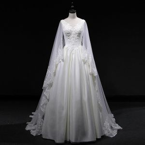 Vintage / Retro Ivory Wedding Dresses 2019 A-Line / Princess V-Neck Sleeveless Backless Appliques Lace Pearl Beading Watteau Train Ruffle