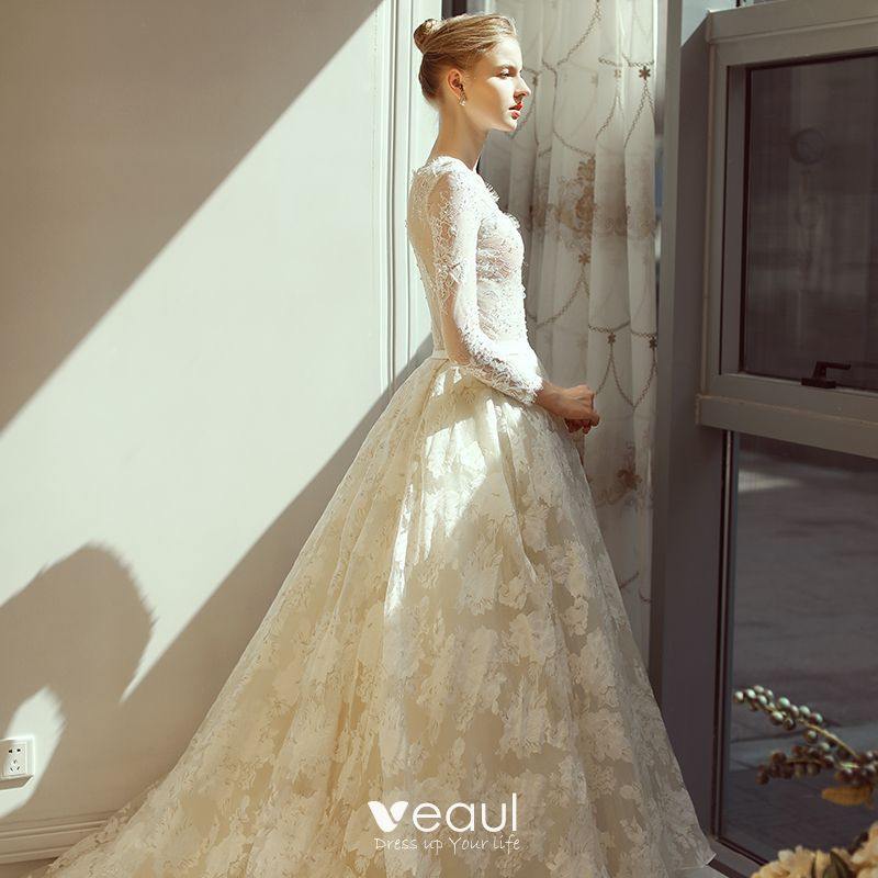 Elegant Ivory Wedding Dresses 2018 A-Line / Princess V-Neck Beading Sash Ruffle Chapel Train