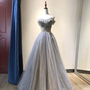 Charmig Himmelsblå Aftonklänningar 2019 Prinsessa Av Axeln Beading Spets Paljetter Ärmlös Halterneck Långa Formella Klänningar