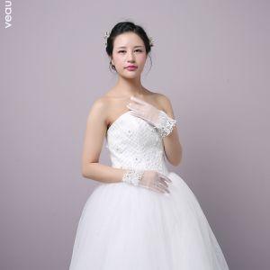 Klassisch Elegante Weiß Hochzeit 2018 Tülle Schnüren Perlenstickerei Kristall Brauthandschuhe