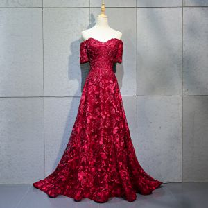 Charming Burgundy Evening Dresses  2018 A-Line / Princess Beading Crystal Lace Flower Rhinestone Off-The-Shoulder Backless Short Sleeve Court Train Formal Dresses