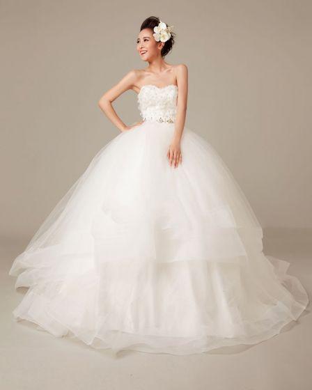 Fast Applique Beading Volanger Alskling Organza Boll-kappa Brudklänningar Bröllopsklänningar