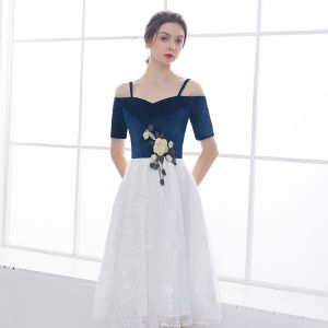 Chic / Beautiful Navy Blue White Homecoming Graduation Dresses 2018 A-Line / Princess Spaghetti Straps Short Sleeve Appliques Lace Star Embroidered Tea-length Ruffle Backless Formal Dresses