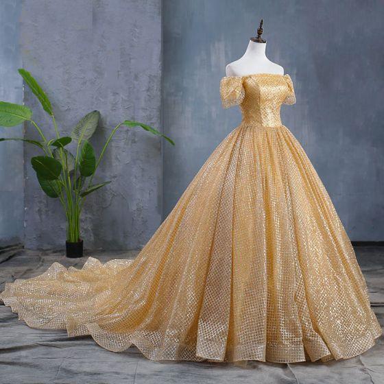 Brillante Oro Vestidos De Novia 2019 Ball Gown Fuera Del Hombro Lentejuelas Manga Corta Sin Espalda Chapel Train