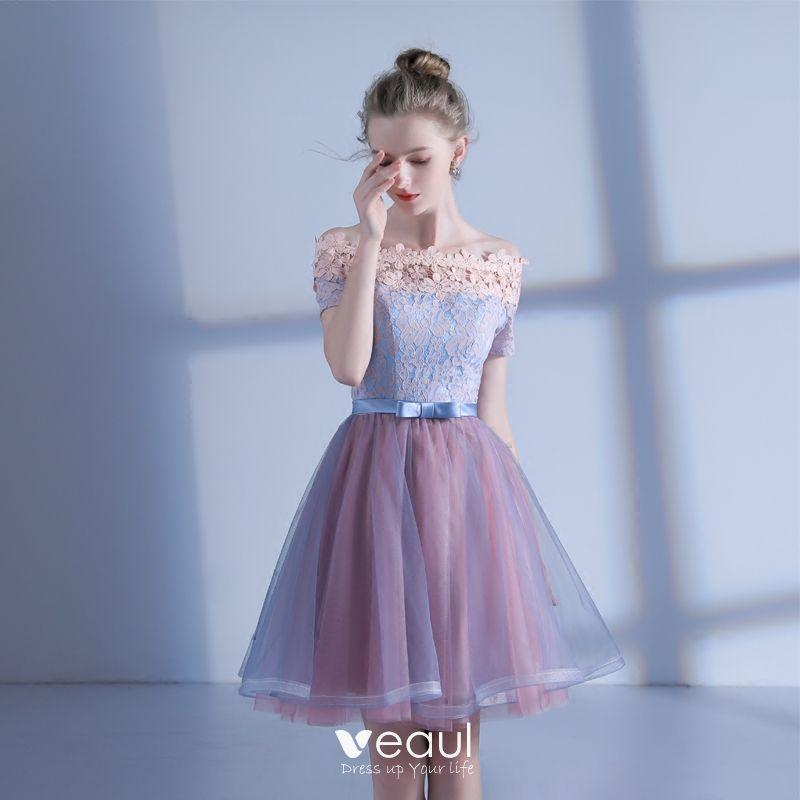 Hermoso De Fiesta Vestidos De Graduación 2017 Rosa Azul Cielo Cortos A Line Princess Fuera Del Hombro Manga Corta Sin Espalda Con Encaje Apliques