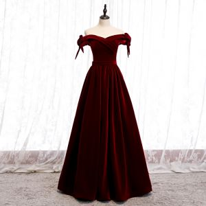 Affordable Burgundy Velour Winter Evening Dresses  2020 A-Line / Princess Off-The-Shoulder Bow Short Sleeve Sash Floor-Length / Long Backless Formal Dresses