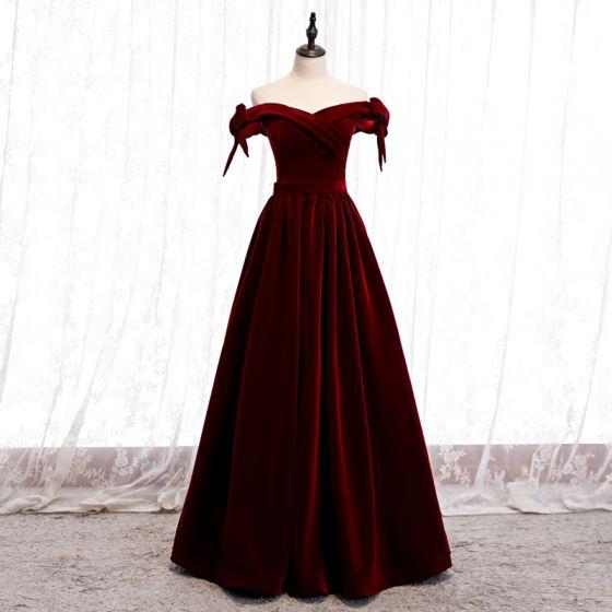 Affordable Burgundy Velour Winter Evening Dresses  2020 A-Line / Princess Off-The-Shoulder Bow Short Sleeve Sash Floor-Length / Long Backless Formal Dresses